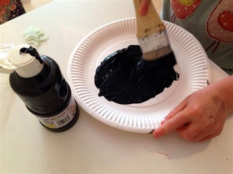 Things To Make Out Of Paper Plates - craft painting paper plate black painting paper