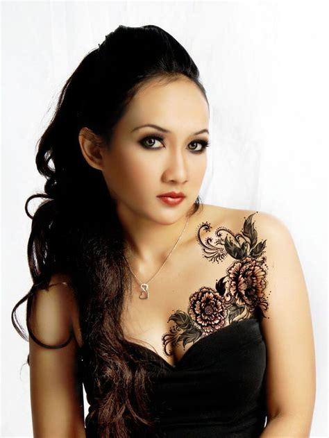 chest tattoo girl pinterest 23 best images about cool tattoos for women on pinterest