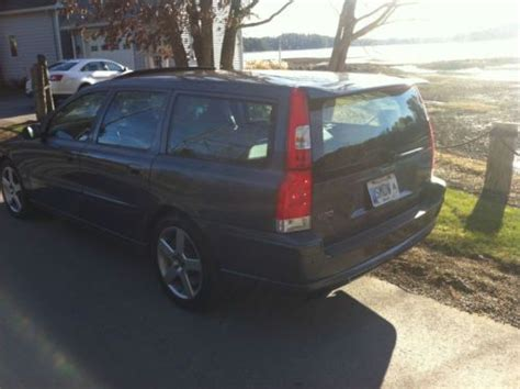buy   volvo   wagon  speed manual rare   remarkable shape  north