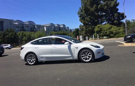 tesla model 3 on sale tesla model 3 on target contributes to quarterly loss of 330 million performancedrive