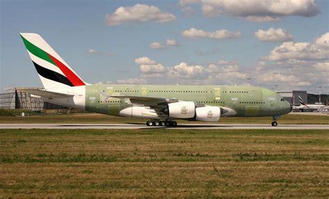 emirates germany emirates f wwam reg a6 eof c n 0171 airbus a380 861 27