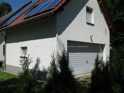 kleines einfamilienhaus kaufen einfamilienhaus mit doppelgarage im gr 252 nen vor leipzig