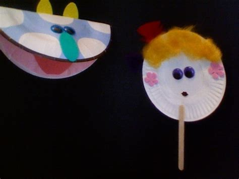 How To Make A Paper Plate Puppet - paper plate puppets artsy puppets