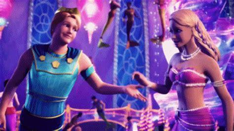 film barbie romantis pp gifs romantic dance barbie movies fan art 36294296