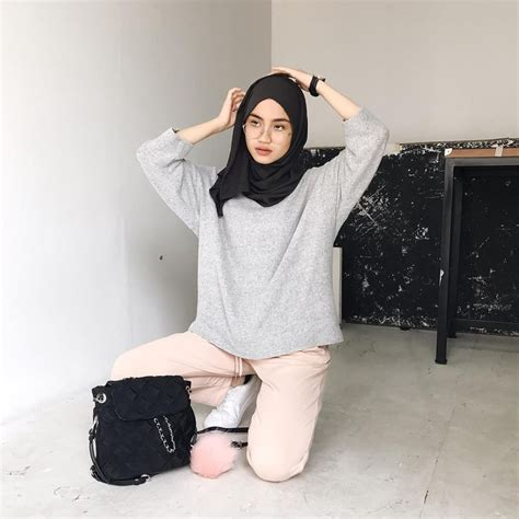 Blouse Hello Atasan Wanita Navy Blouse Abu 13 paduan warna baju yang cocok untuk abu abu agar serasi dan stylish