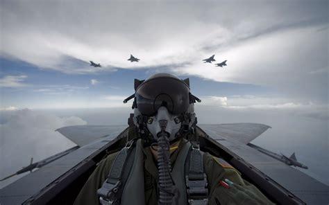 wallpaper imagenes militares piloto de aviones militares fondos de pantalla gratis