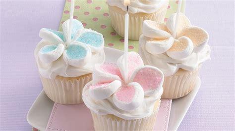 Flower Cupcakes Recipe   BettyCrocker.com