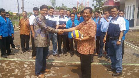 film thailand voli rektor unpand meresmikan lapangan voli di kelurahan