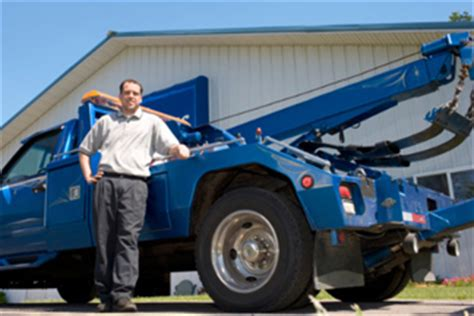 what precaution should you take while towing a trailered boat things to consider while choosing the towing company in