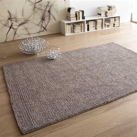 pulire il tappeto come pulire i tappeti consigli per viscosa feltro