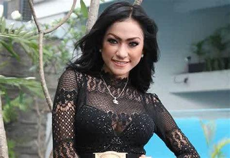 berita prostitusi artis gegerkan dunia hiburan indonesia mengungkap jaringan psk artis yang ikut melibatkan aa