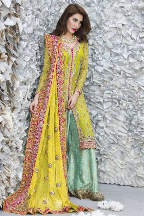 Gaun India Kw 14 17 inspirasi gaun pengantin a la untuk pernikahanmu nanti siapa tahu jadi secantik kajol