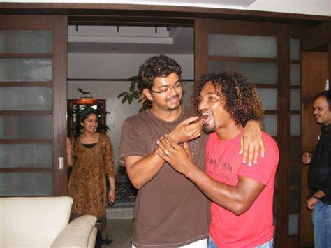 actor vikram house address in chennai picture 89816 velayutham success party stills new