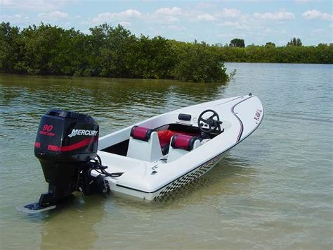 donzi outboard boats for sale donzi classic like boat 18 22 ft w single outboard