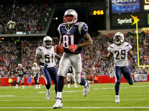 s day football player wallpapers american football player randy moss wallpapers