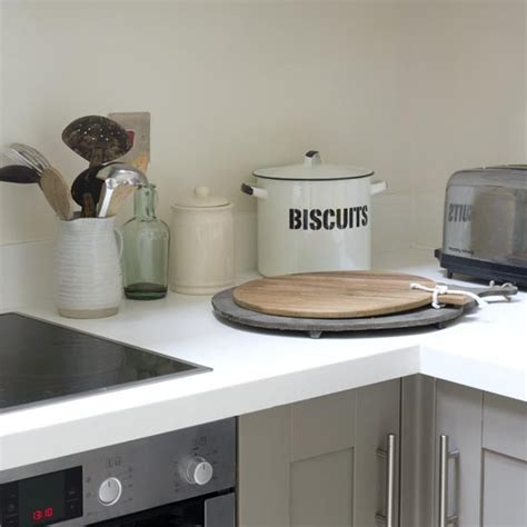 Modern Kitchen Decor Accessories Vintage Kitchen Accessories Take A Tour Of This Modern Shaker Kitchen Housetohome Co Uk