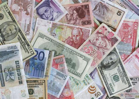 remodelaholic fun diy ideas leftover foreign money