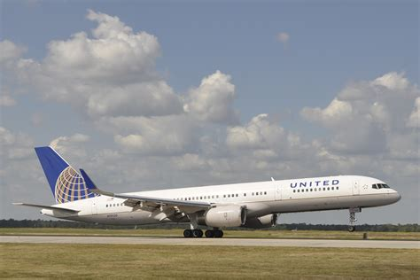 united airline kuwaiti government expels united airlines from kuwait