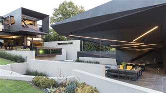 Best House Designs In The World outdoor living space in one of the best houses in the world