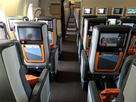 sièges bébé auto flight review singapore airlines economy class muc