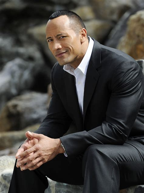 dwayne johnson biography in hindi hq wallpapers collection of hollywood and wwe super star