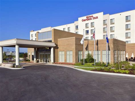 Garden Inn Lake Forest by Garden Inn Lake Forest Mettawa Lake Forest Book