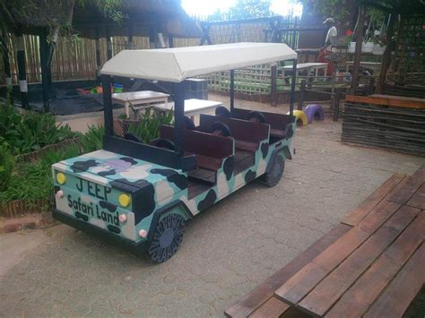 safari jeep craft 30 pallet ideas creative ways to recycle pallets page