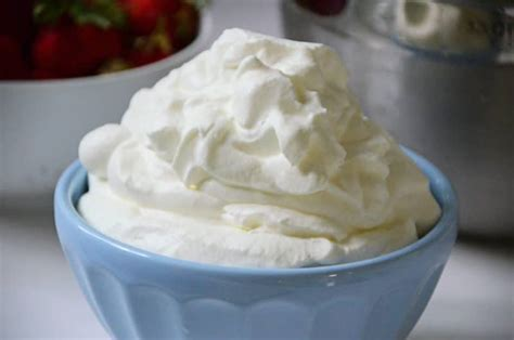 resep membuat whipped cream untuk minuman how to make whipped cream rose water orange blossoms