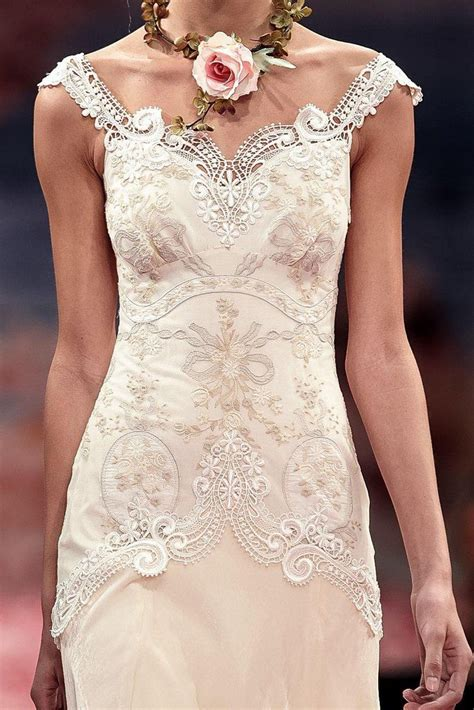 Wedding Dress Flo from the earthly paradise couture bridal collectionthalia