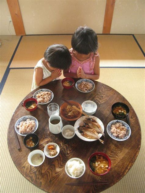 traditional japanese dinner table 25 best ideas about japanese dining table on