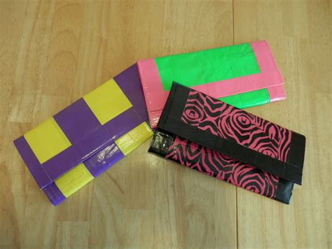 How Do You Make A Wallet Out Of Paper - make a duct wallet in 5 steps tutorial
