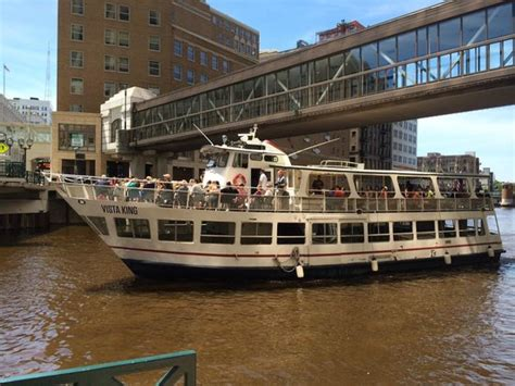 milwaukee boat line heading down the river picture of milwaukee boat line