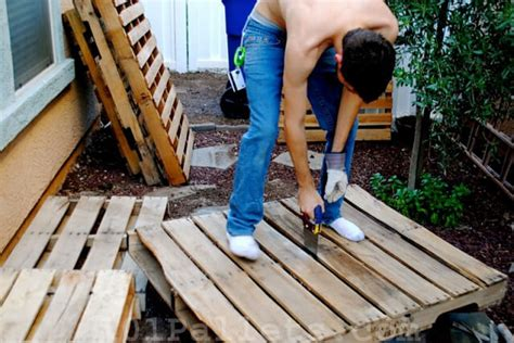how to make a bench from pallets diy tutorials how to make a pallet bench 101 pallets