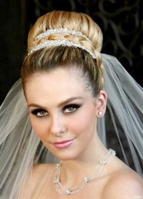 Wedding Hair Updo With Veil by 25 Best Wedding Hair Accessories Hairstyles Haircuts