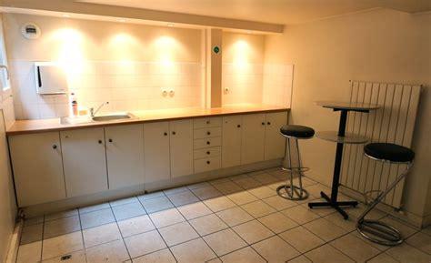 Cuisine Plan De Travail Bois 509 mobilier de cuisine en bois laque beige avec plan de