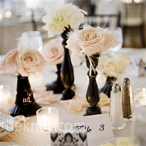 Black Vase And White Rose Centerpieces Black And White Black Vases For Wedding Centerpieces