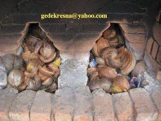 Sabut Kelapa By San House house of terracotta