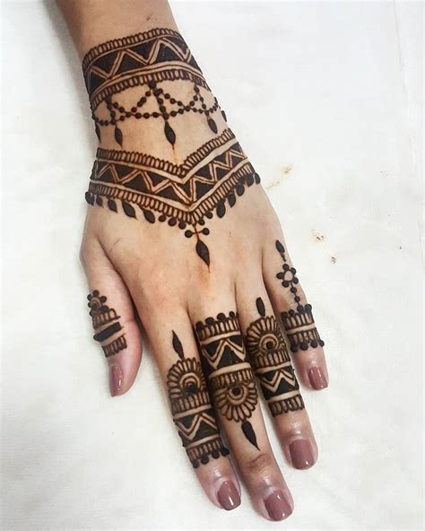 black henna tattoo artist see this instagram photo by khairhenna 865 likes