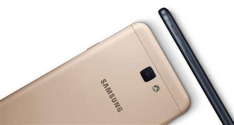 Hp Samsung J7 Warna Putih samsung galaxy j7 prime memfokuskan untuk penggambaran wefie ering