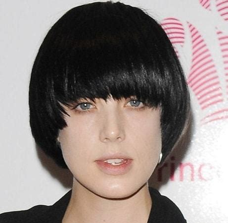 women with bowl cuts 20 creative bowl haircuts you never thought you d like