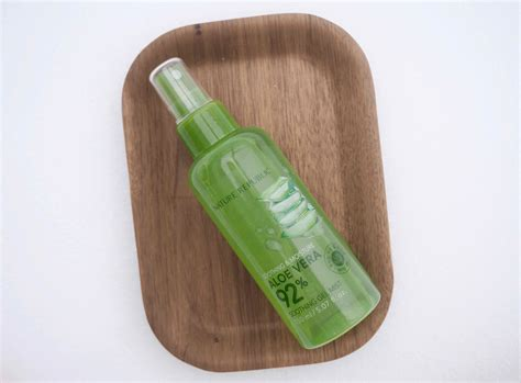 Nature Republic Soothing Moisture Aloe Vera 92 Soothing Gel Mist nature republic soothing moisture aloe vera 92 soothing