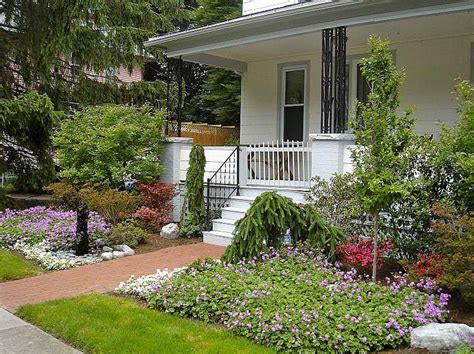 small front yard landscape ideas dog breeds picture