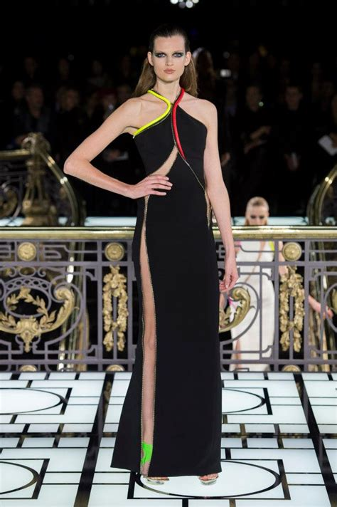 Its Electric Couture In The City Fashion by Atelier Versace Couture Summer 2013 In Flare