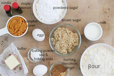 baked pumpkin doughnut recipe with maple cinnamon glaze