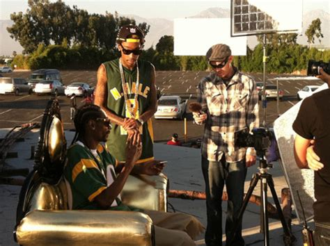 download mp3 bruno mars young wild and free wiz khalifa and snoop dogg live young wild free on