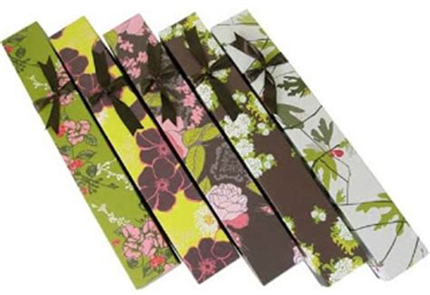 the eco modernist recycled paper scented drawer liners