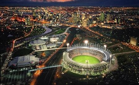 what is the seating capacity of the mcg top 10 stadiums