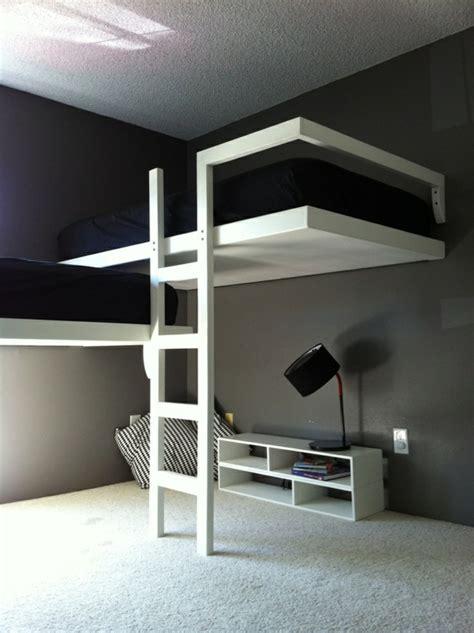 moderne hochbetten moderne gestaltung in wei 223 und schwarz schlafzimmer