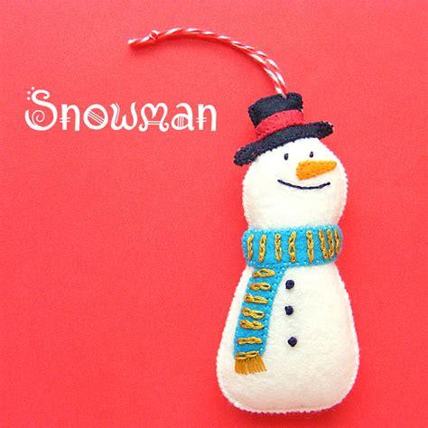 pattern for a felt snowman a happy snowman felt ornament pattern shiny happy world