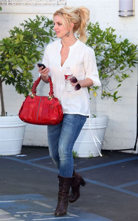 Style Britneys Bag leather shoulder bag looks